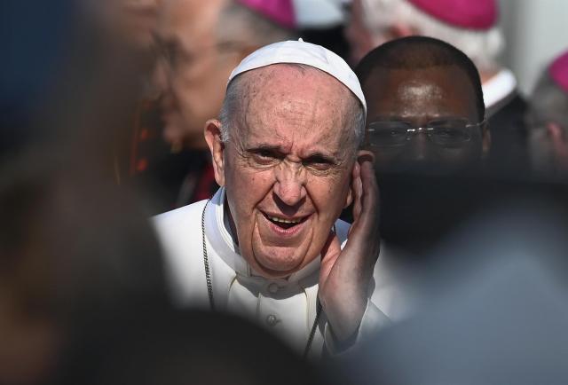 El Papa critica el 'abuso de poder' en los movimientos religiosos